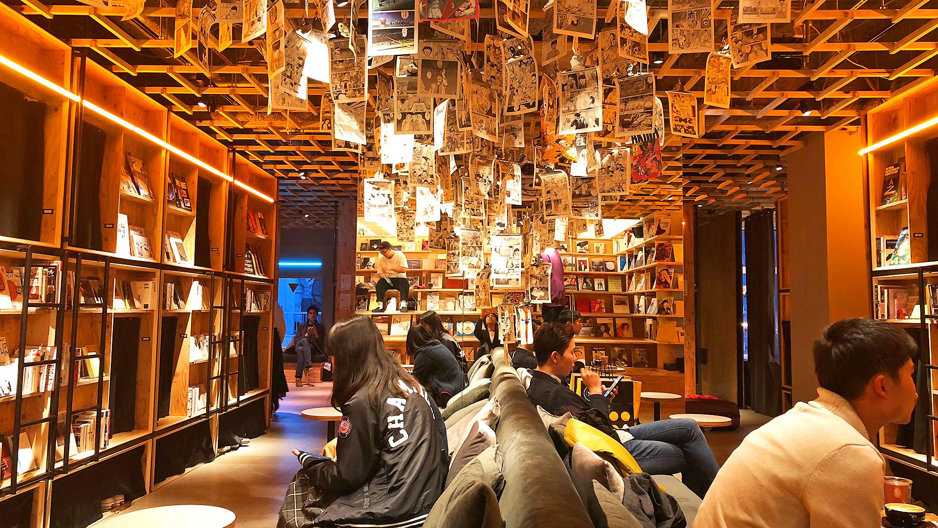 超適合上網曬照!「可以住的書店」為主題的特色青年旅館
