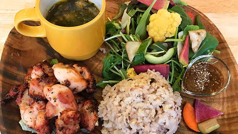 強調美味蔬菜的絕品午餐!大阪福島的「とまり木432゛」